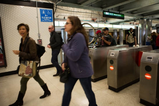 Commuters walking to the platform to start their commute to the East Bay.(Photo by Khaled Sayed/Bay News Rising)